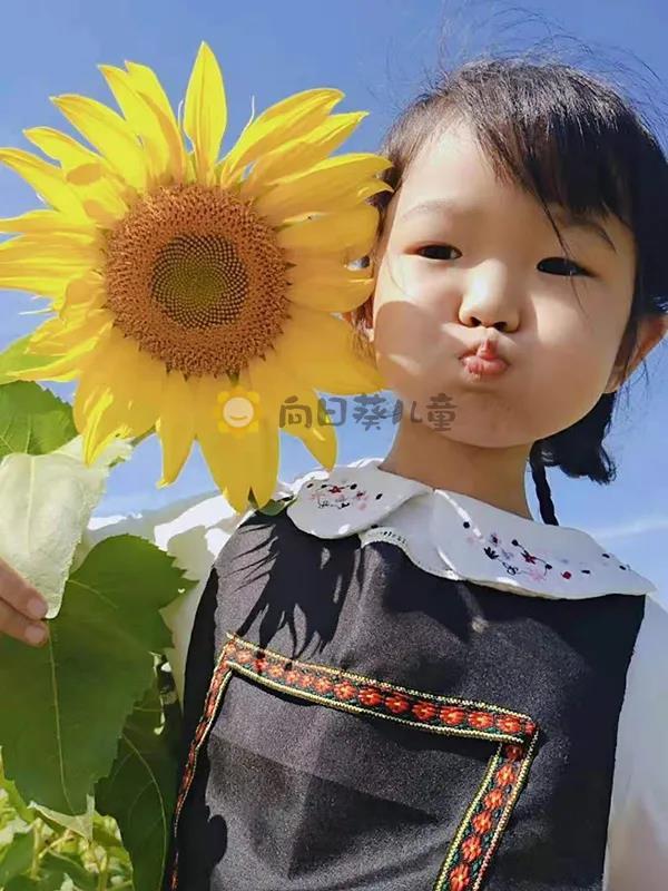 """三次病危后母女俩再次""""连体""""对抗儿童癌王"""